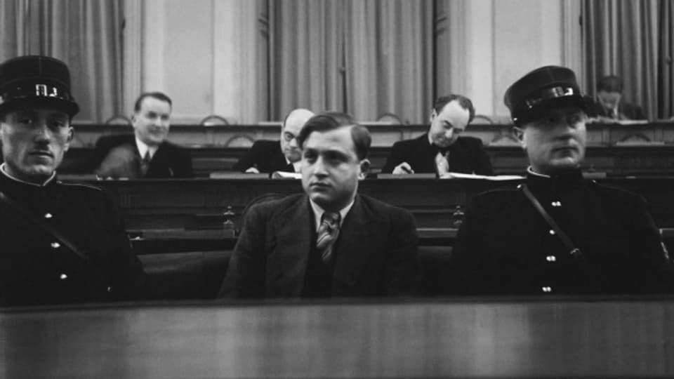 David Frankfurter am 10. Dezember 1936 im Gerichtssaal in Chur