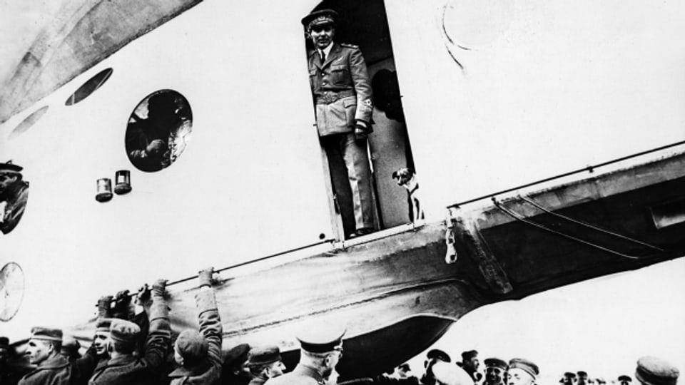 Umberto Nobile bricht zum Nordpol auf