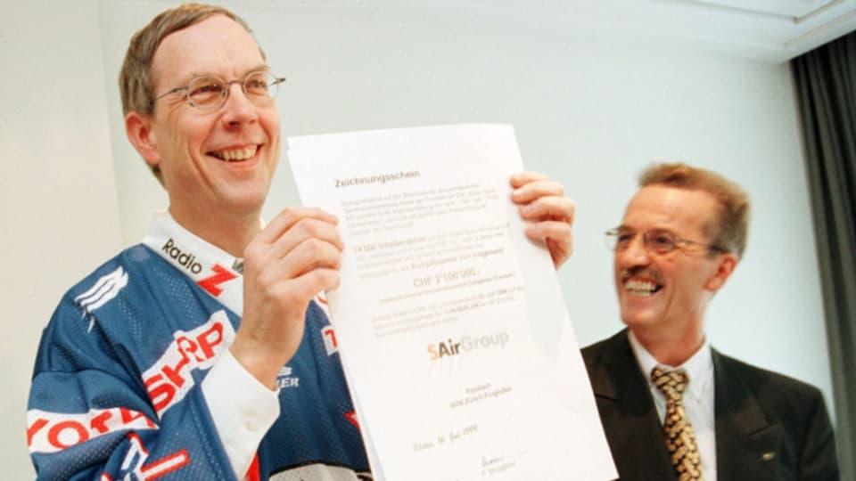 SAir-Konzernchef Philippe Bruggisser (links) und Reto Steiner, VR-Präsident der EHC Kloten Sport AG.