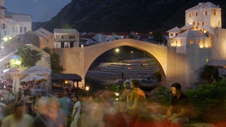 Die Brücke von Mostar, kurz vor der Wiedereröffnung 2004.