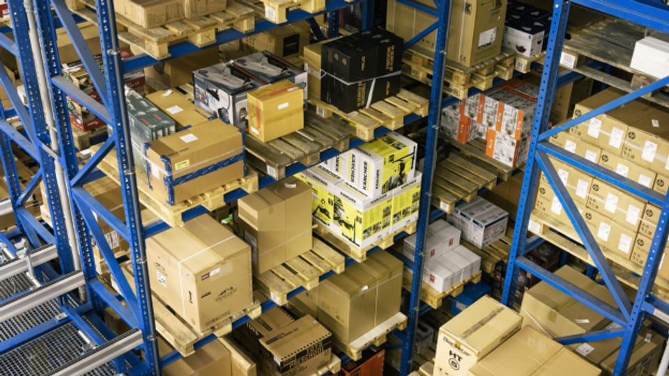 Der Versandhandel profitierte von der Coronakrise, war aber auch gefordert. Im Bild: Das Versandzentrum des Onlinehändlers Brack.