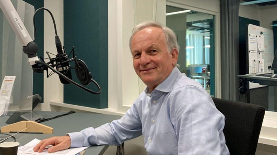 Der Epidemiologe Christian Lengeler vom Schweizerischen Tropen- und Public-Health-Institut kämpft seit dreissig Jahren gegen Malaria.