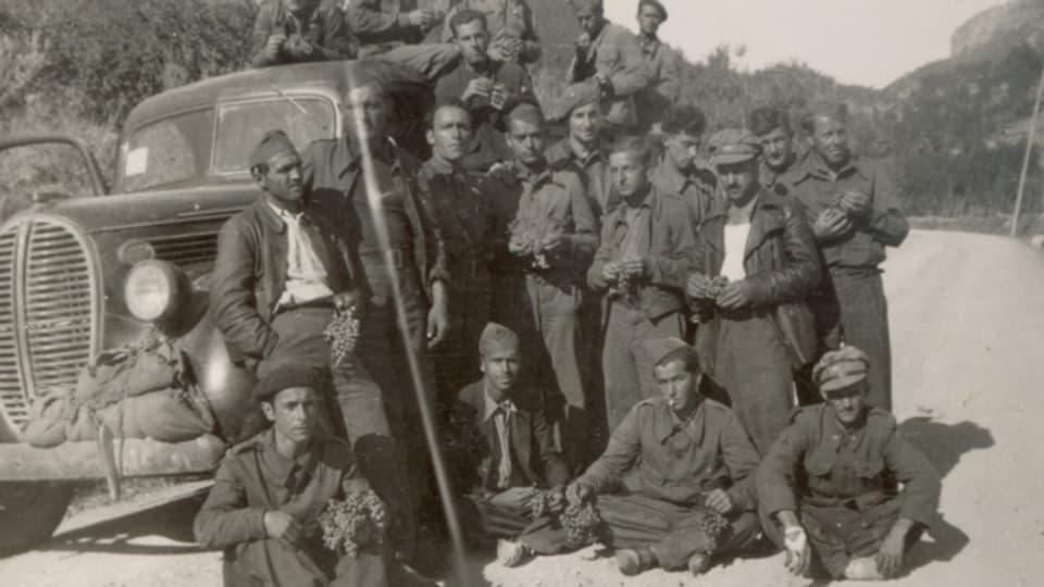 Schweizer der XI. Internationalen Brigade «Thälmann» bei einer Rast.