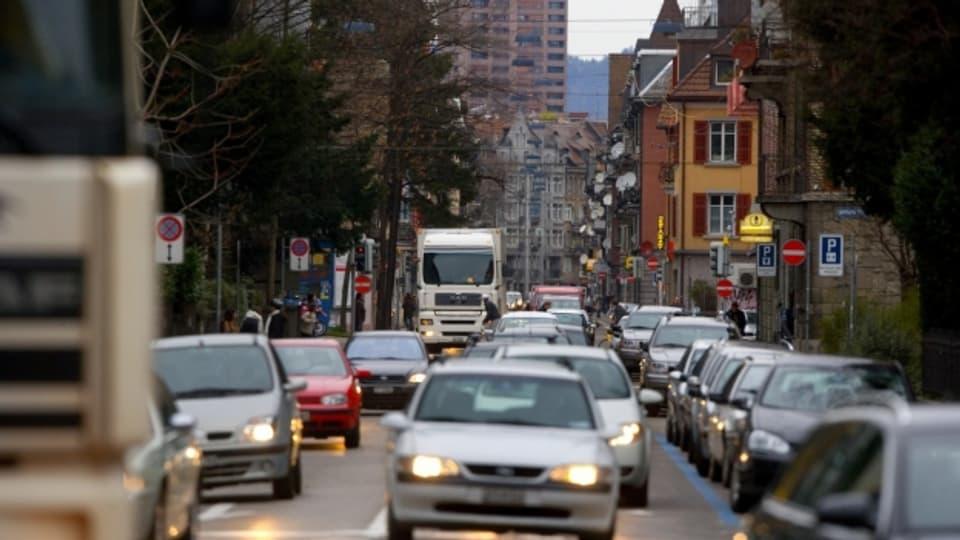 20'000 Fahrzeuge befuhren die Weststrasse 2007 noch täglich. 2009 wurde die Westumfahrung eröffnet und heute ist die Strasse ein Musterbeispiel für Gentrifizierung.