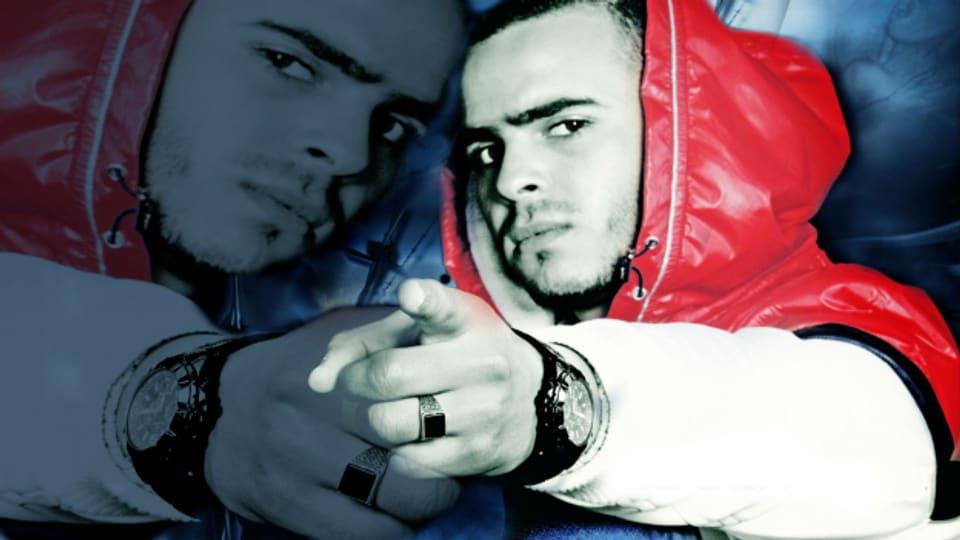 Der Rapper El General mit seiner Lieblingspose.