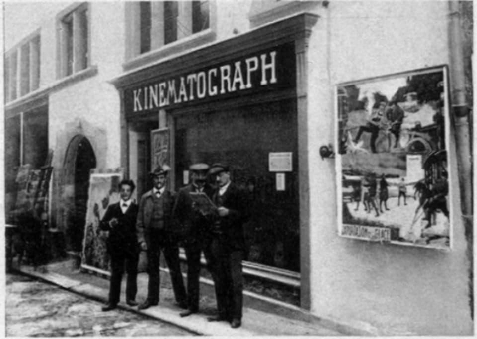 Das Kino Radium in Zürich auf einer Werbepostkarte, zur Eröffnung 1907.