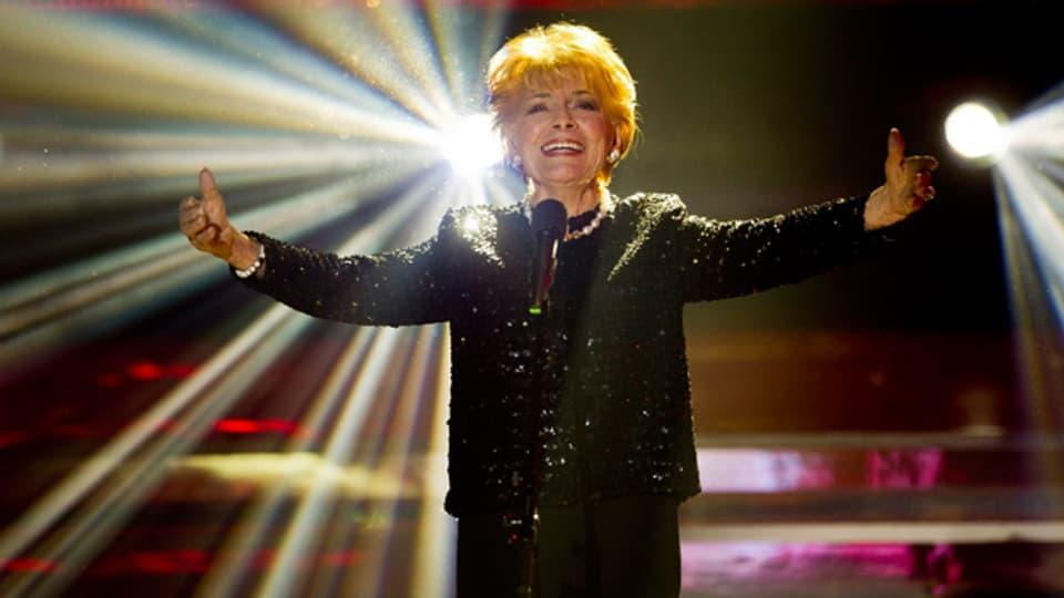 Im Alter von 87 Jahren nimmt Lys Assia an der Schweizer Vorausscheidung für den Eurovision Song Contest teil, leider erfolglos.