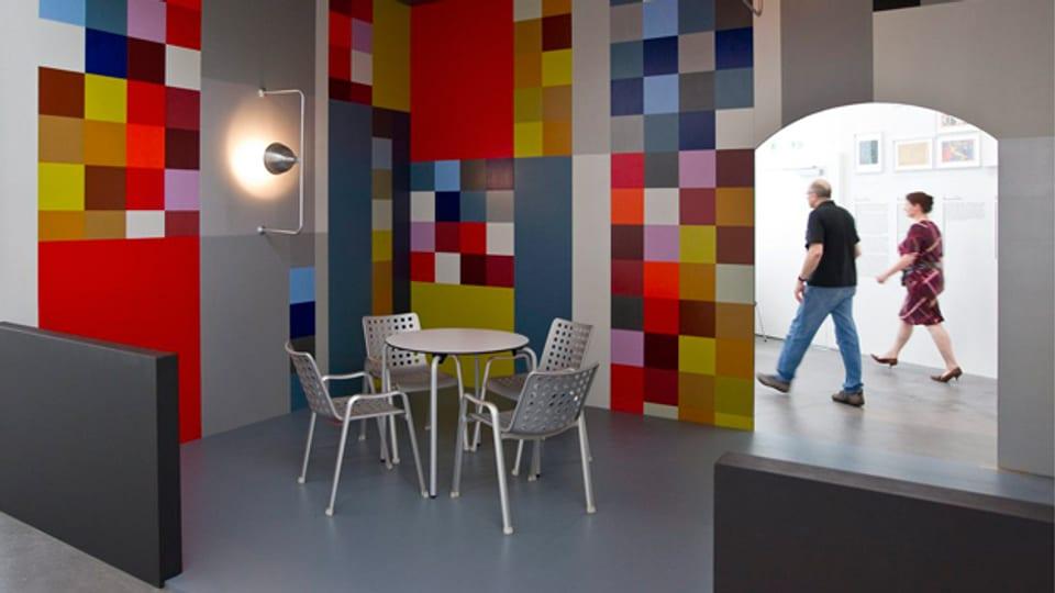 Die «Aubette Bar» von Sophie Taeuber-Arp in der Ausstellung «Ganz Konkret» im Zürcher Museum Haus Konstruktiv im November 2010.