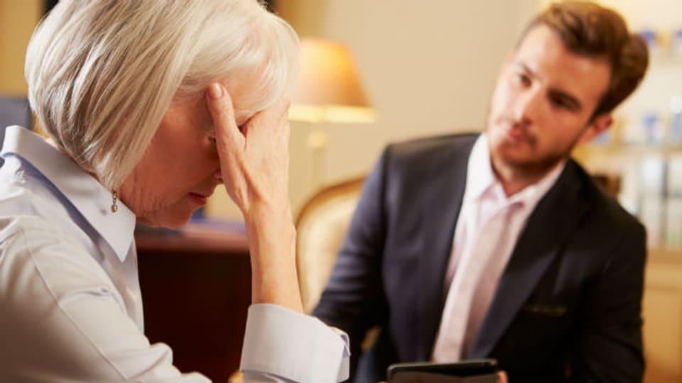 Auch wenn es die Patientin nicht gerne hört: Der Hausarzt muss einen Verdacht auf psychische Probleme ansprechen.