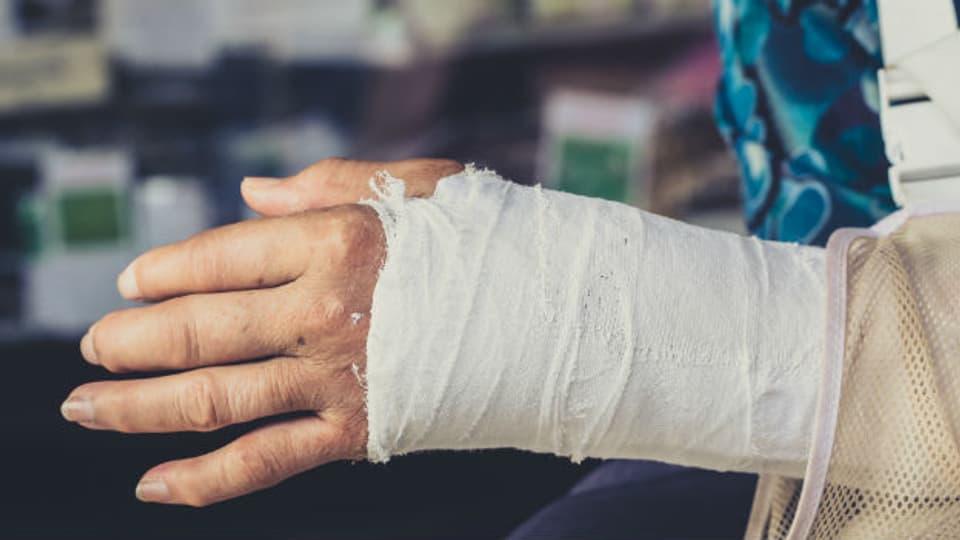 Unterarm-, Hüft- und Wirbelknochen brechen besonders häufig.