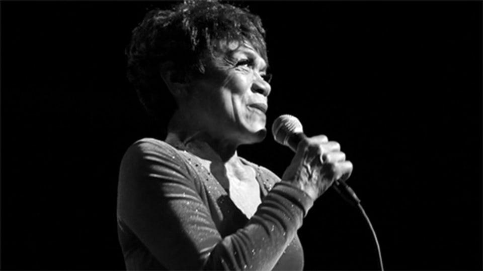 Eartha Kitt (1927-2008) war eine äusserst vitale Frau. 2007 feierte sie ihren 80. Geburtstag mit einem Konzert in der Carnegie Hall.