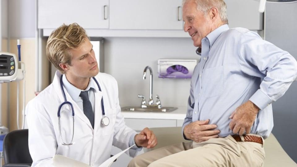 Hüftprobleme, Schulterschmerzen, ein blockiertes Knie: Hier muss der Hausarzt eng mit Fachärzten zusammenarbeiten.