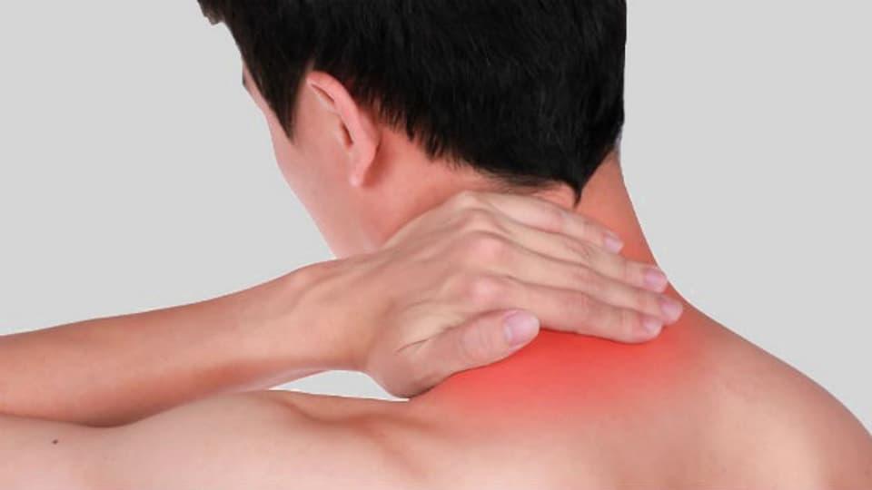 Wärmepflaster produzieren Wärme, sobald sie mit Luft in Verbindung kommen, oder lösen eine lokale, wärmende Hautreizung aus. Einige enthalten auch Schmerzmittel.