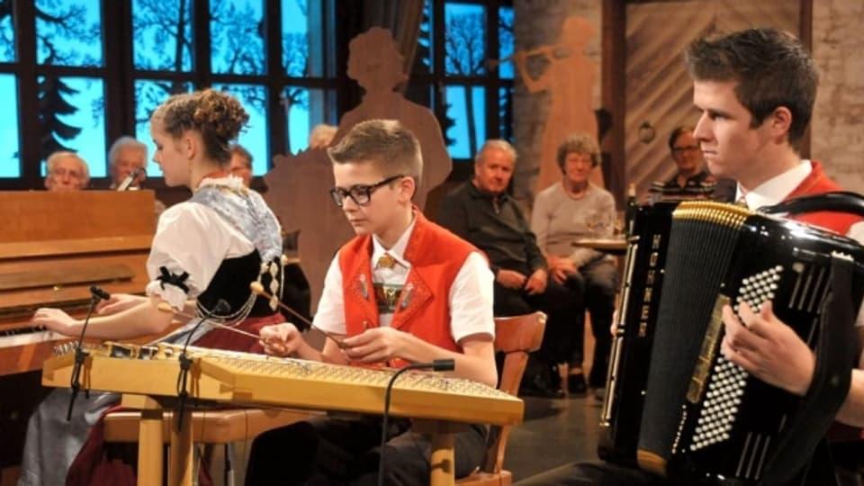 Die Kapelle Sondewend bei einem Auftritt in der Sendung «Potzmusig».