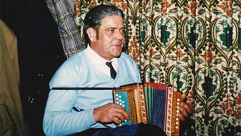 Akkordeonist und Schwyzerörgelispieler Fredy Zwimpfer (1925-1977).