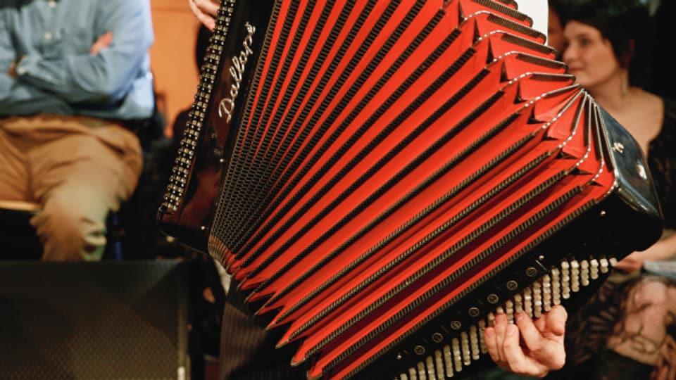 Der «Virtuosenschottisch» spielt Karl Grossmann aus Chur zusammen mit seiner Tochter Blanca.