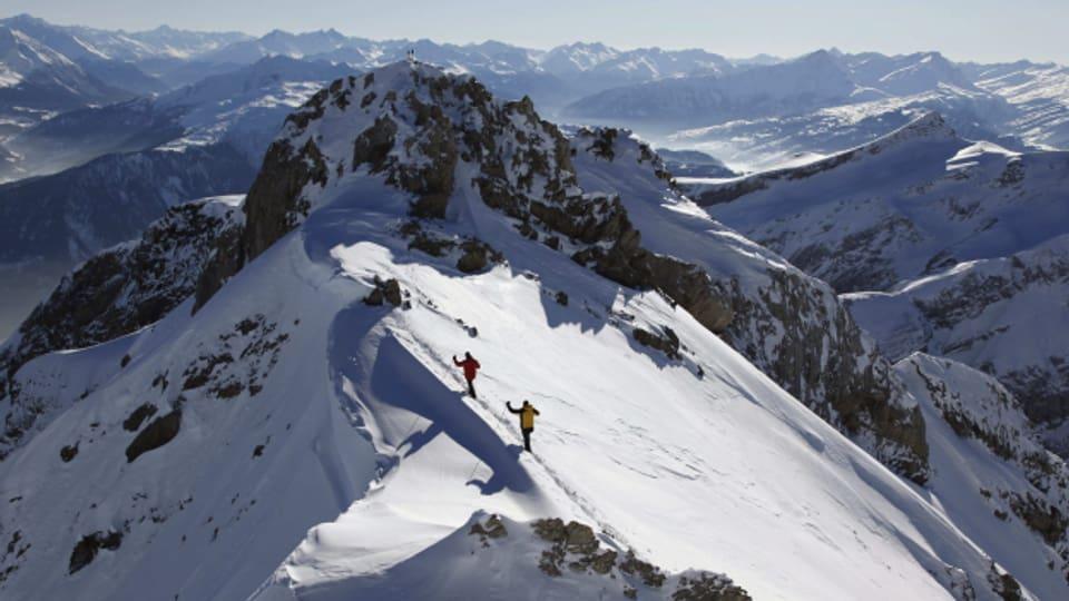 Der Gipfelgrat des Calanda ist 2805 Meter hoch.