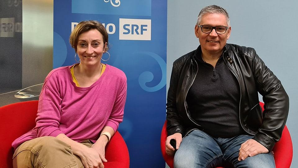 Renate Anderegg begrüsst Dani Büchel zum «SRF Musikwelle Brunch».