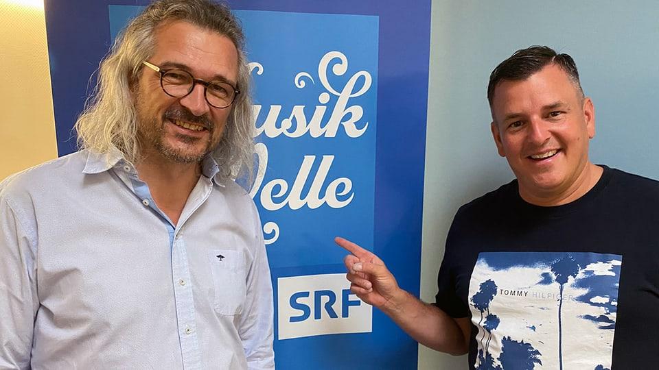 Dani Häusler begrüsst Marc Pircher zum «SRF Musikwelle Brunch.»