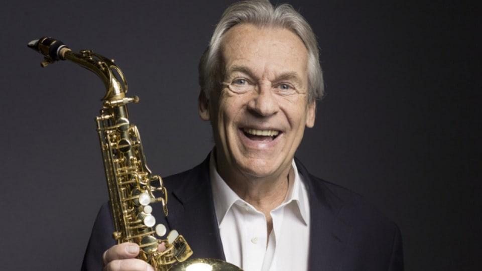 Der Schweizer Bandleader, Saxophonist, Flötist und Arrangeur Pepe Lienhard in einem Porträt von 2016.