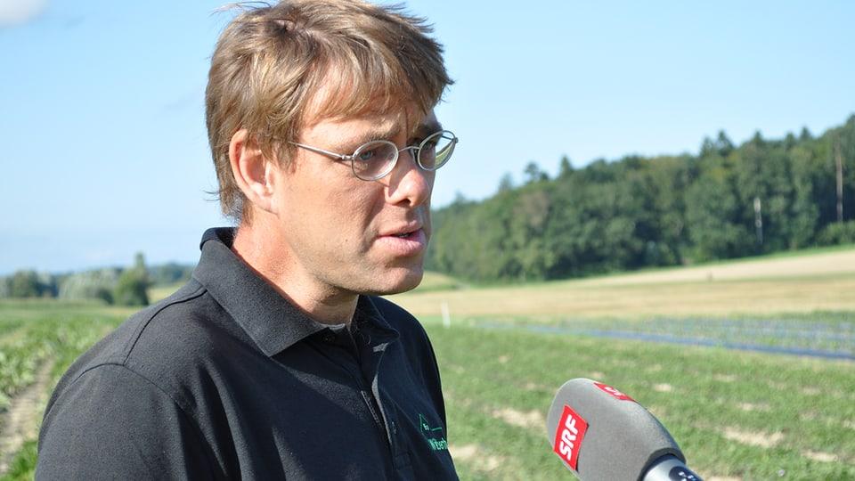 Samuel Theiler ist Betriebsleiter des Bio-Wäberhofs.