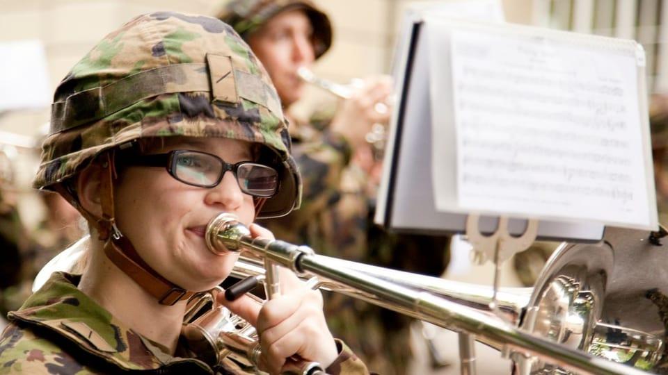 Auf der CD «Schweizer Märsche Vol. 8» sind 14 verschiedene Militärspiele zu hören, sowohl in Harmonie- als auch in Brass Band-Besetzung.