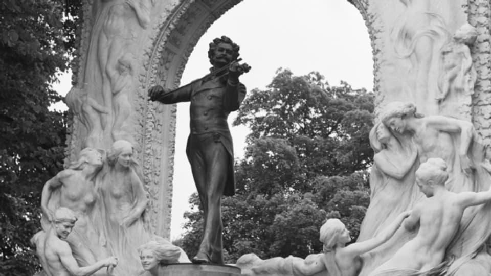 Das Johann-Strauss-Denkmal befindet sich im Wiener Stadtpark.