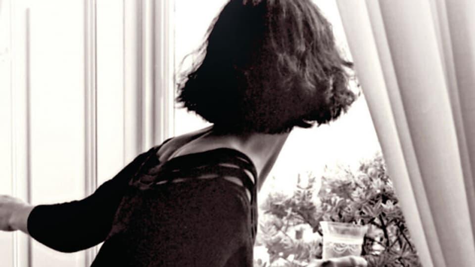 Der Roman «Das rote Adressbuch» handelt von Doris, die in den Zwanzigerjahren in einfachen Verhältnissen in Stockholm aufwächst.