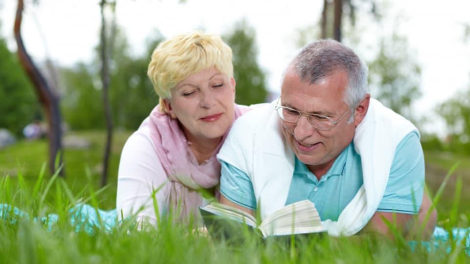 Eine neue, breit angelegte Studie der renommierten amerikanischen Yale-Universität belegt, dass Lesen das Leben verlängert.