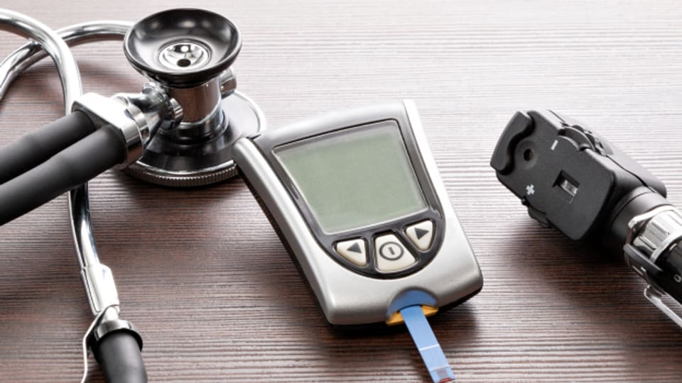 Blutzucker ab 40 Jahren regelmässig kontrollieren lassen.