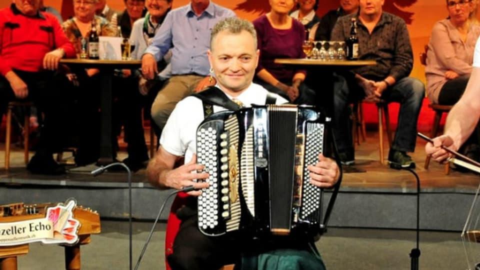 Josef Rempfler bei einem Auftritt mit dem Appenzeller Echo.