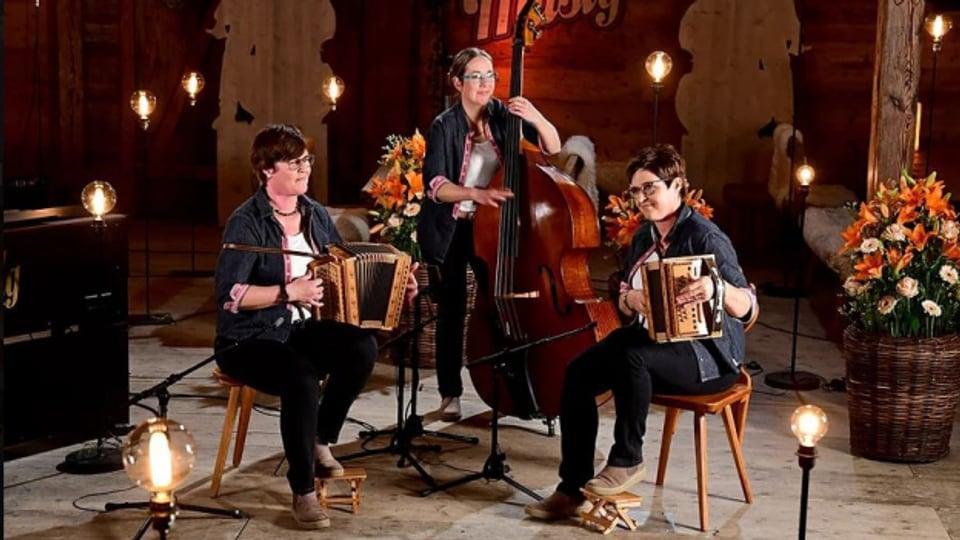 Das Schwyzerörgeli-Trio Balmhorn hatte im Mai einen Auftritt in der Sendung «Potzmusig».