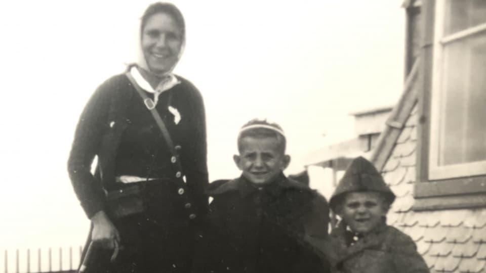 1940 mit der Mutter und dem Bruder auf dem Säntis.