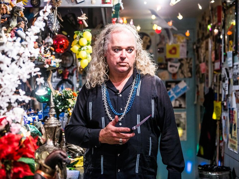 MC Anliker betreibt seit 29 Jahren das Musiklokal Cafe Bar Mokka in Thun und denkt überhaupt nicht ans Aufhören: «Man bringt mich nicht ohne Sarg aus dem Mokka».