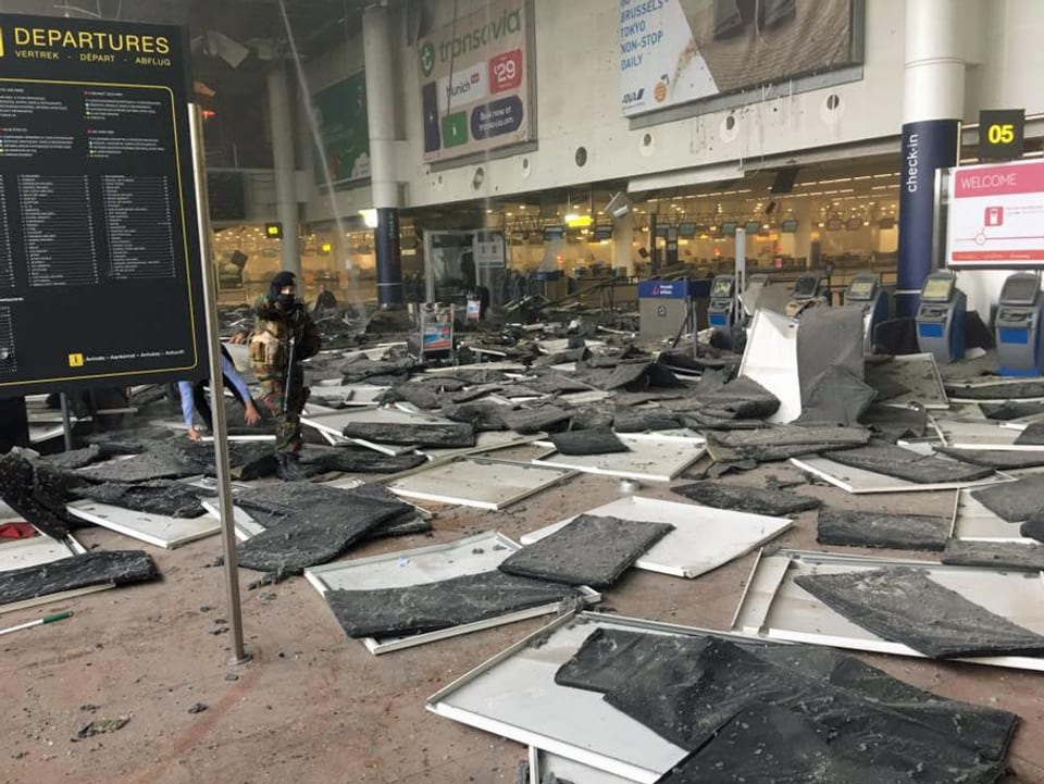 Die Zerstörung des Flughafens in Brüssel.