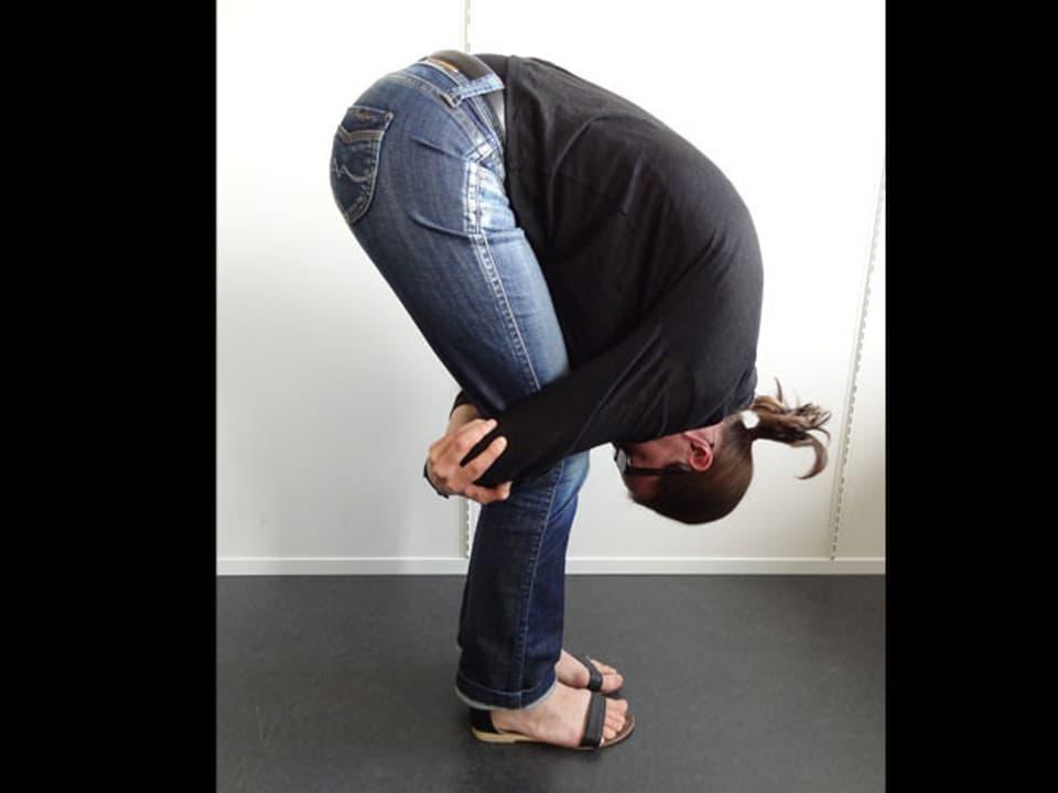 Dehnen der unteren Rücken-Muskulatur