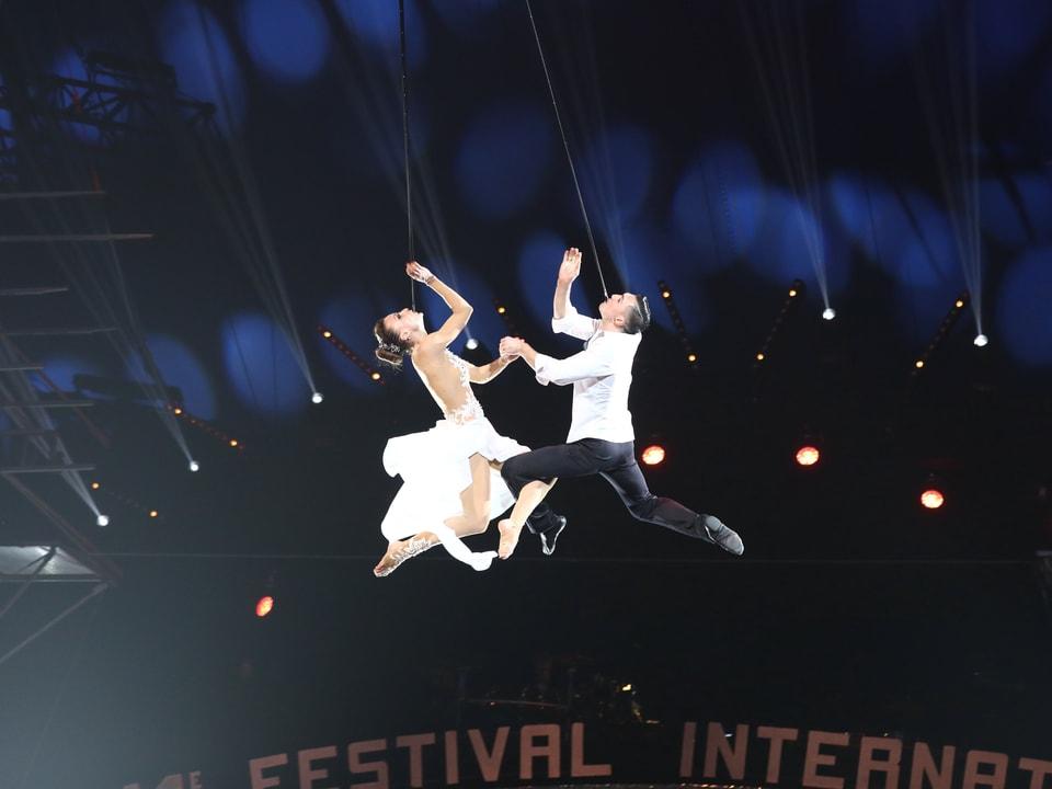 Artisten in der Luft.