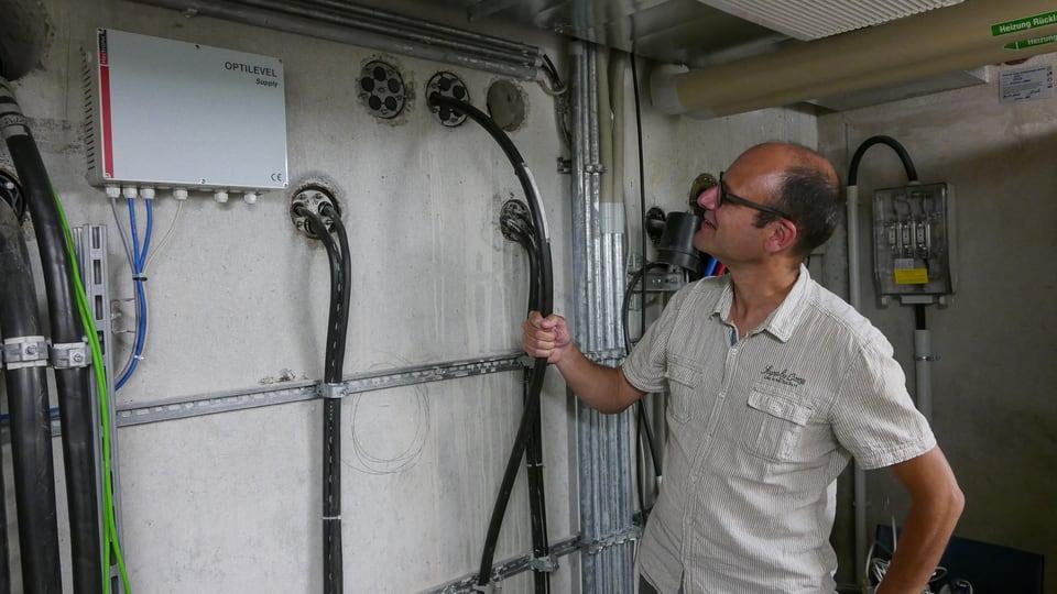 Internet zum Anfassen 1: Das Bodensee-Kabel mit 192 Glasfasern. Kapazität: Gigantisch!