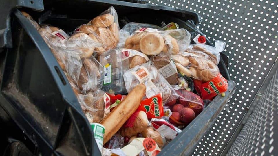 Bed-rftige-sollen-einfacher-an-unverkaufte-Sandwiches-kommen