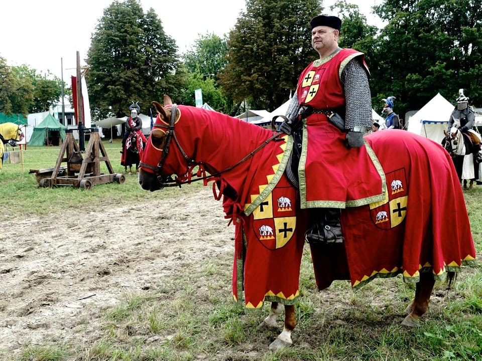 Ritter auf dem Pferd