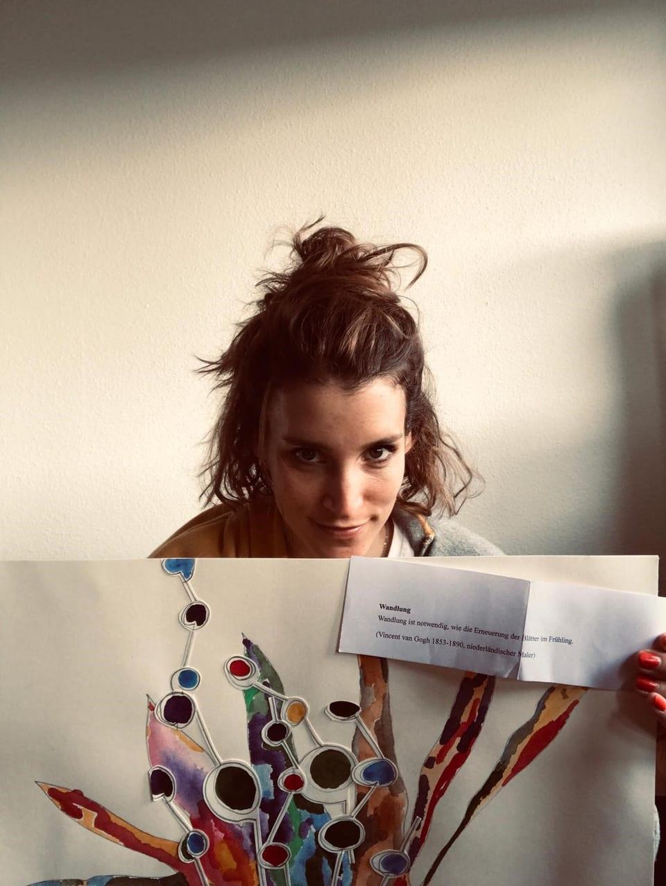 Lina Button mit selbstgemaltem Bild