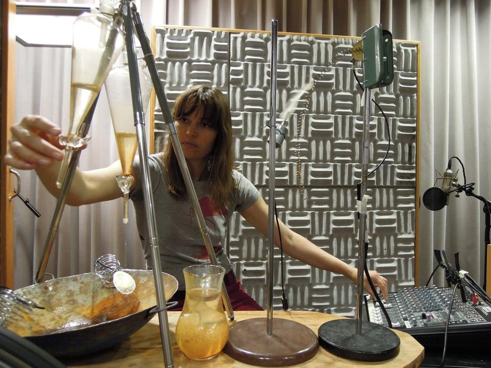 Karen Geyer mit ihrem Instrument.