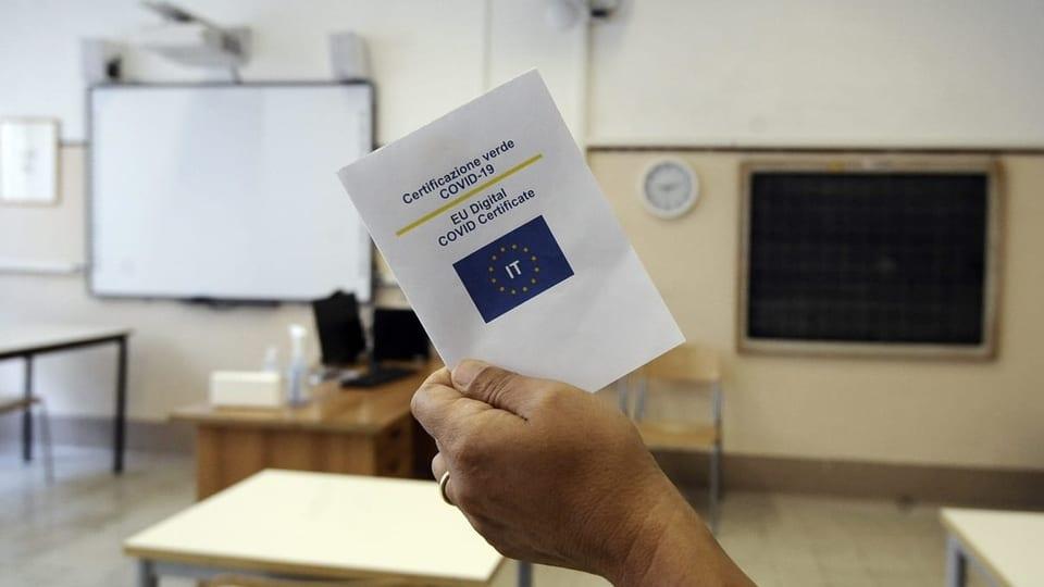 Italienische Lehrerinnen und Lehrer müssen den Green-Pass haben.
