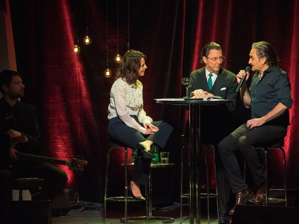 Mona Vetsch und ihre beiden Gäste.