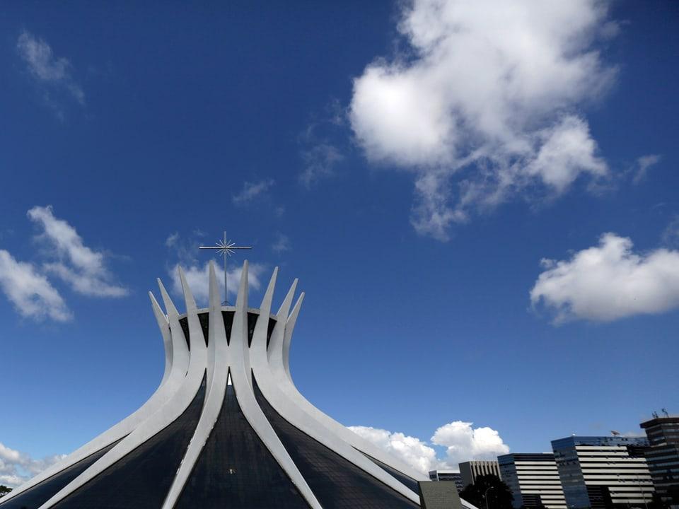 Die tolle Architektur von Oscar Niemeyer, die zwar schon Ende der fünfziger Jahre entstand, aber heute so modern ist wie damals. Hier im Bild: The Metropolitan Cathedra.