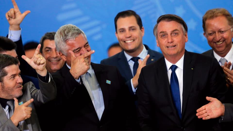 Wahlversprechen eingelöst – Brasiliens Präsident Bolsonaro lockert Waffenrecht