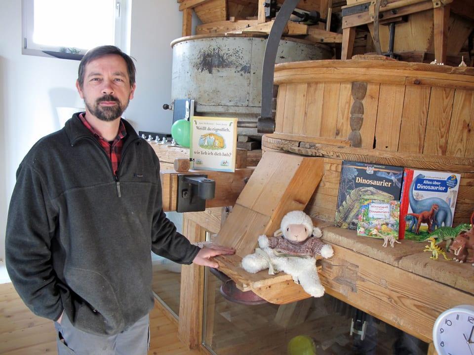 Kurt Fasnacht zeigt seine restaurierte Mühle