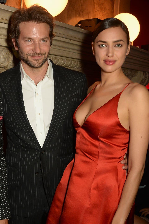Stolz legt Bradley Cooper seinen Arm um «seine» Irina