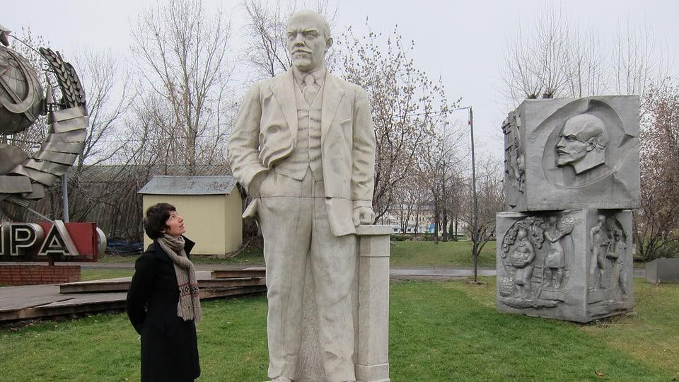 Kathrin und Lenin-Statue