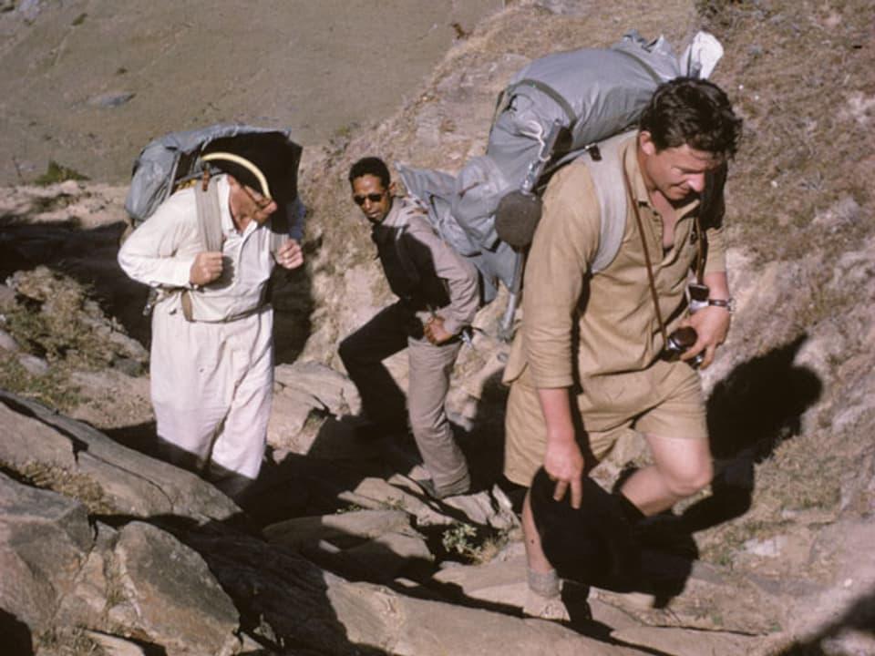 Norman, Woodrow und der Liaison Officer im steinigen Gelände.